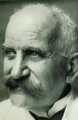 Josef Jadassohn - описал при системной красной волчанке вовлечение в патологический процесс суставов