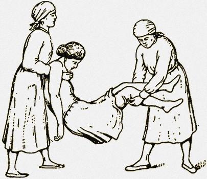 Фото неудобного положения больного во время транспортировки