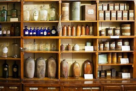 Препараты таллина в старой аптеке