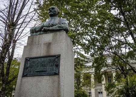 Памятник Спасокукоцкому