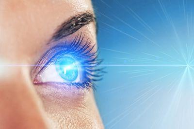 Избавиться от близорукости можно с помощью лазера
